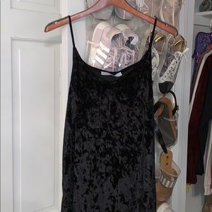 super cute black velvet slip dress!